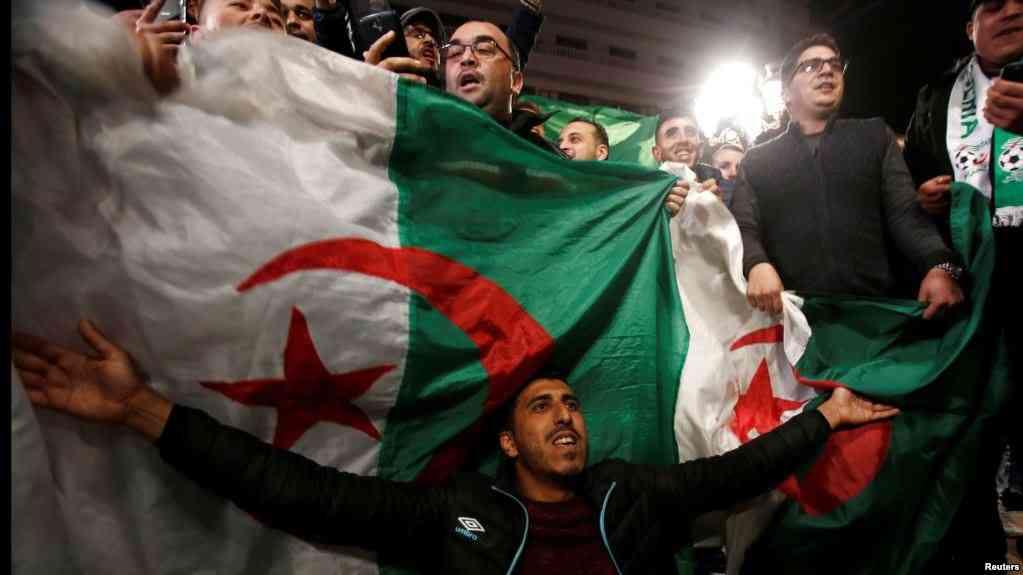 ALGERIE: Arrestations et nouvelles manifestations