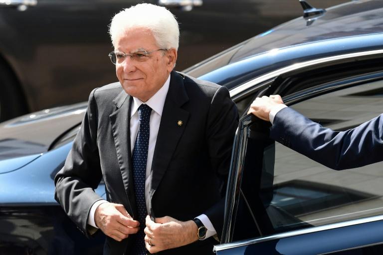ITALIE: Consultations pour sortir de la crise